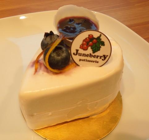 ジューンベリーチーズケーキ